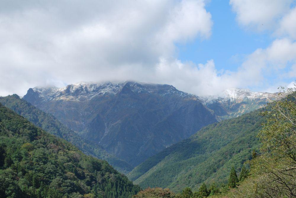 谷川岳初冠雪しました!