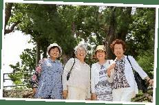 女性グループ旅行